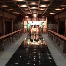ホテル内の神殿の様子