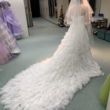 白ドレスです
