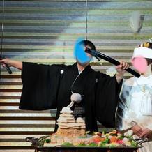 日本刀でちらし寿司カット