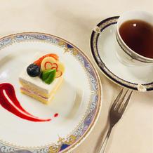 ケーキとこだわりの紅茶