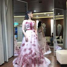 立体的に見えるドレス