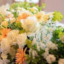 5月のさわやかな雰囲気に合わせた花の装飾