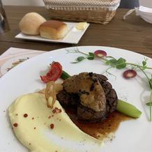 牛フィレ肉のソテーとフォアグラ