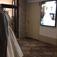 衣装室が2社入っている。