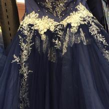 勧められたドレス。