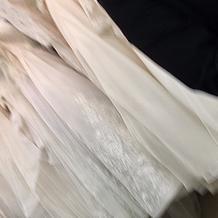 白ドレスも沢山ありました。