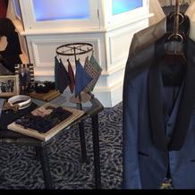ブライダルフェア会場に飾られていた衣装。