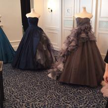 ブライダルフェア会場に飾らせていたドレス