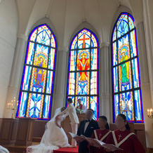 聖歌隊の素敵な歌声が教会に響き渡ります!