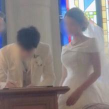 結婚証明書に記入中♪