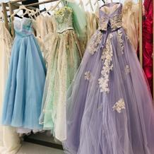 自分の好みやイメージからドレスを選べる