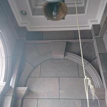 チャペル前の鐘