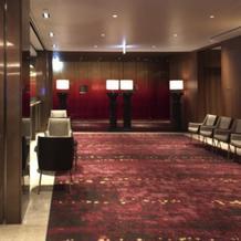 ブライダルサロン前の廊下