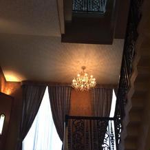 豪華な階段。