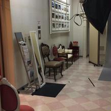 写真室の中。
