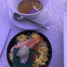 ちらし寿司と、フカヒレ茶碗蒸し