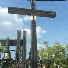 ラインストーン入りの十字架