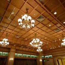 葵殿の高い天井