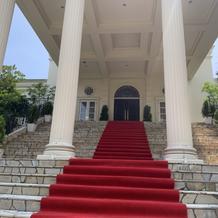 明るい大階段
