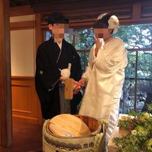 袴・白装束及び鏡割