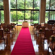 ホール挙式
