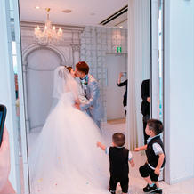 純白でとても綺麗なドレス