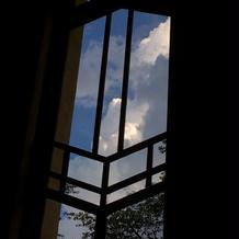人前式をしたホールの窓が可愛い