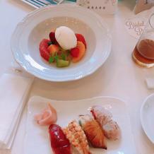 デザートと寿司バー