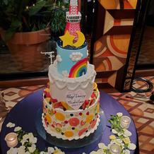 オリジナルデザインのウエディングケーキ