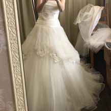 シンプルなドレスで上品