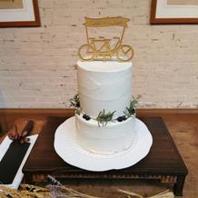シンプルかつ私たちらしいケーキ