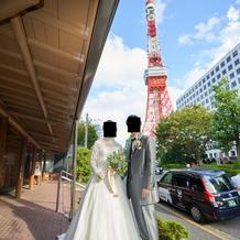 東京タワーをバックに記念撮影できます