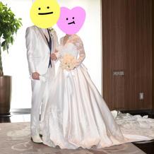 長袖で素敵なドレスを選べました