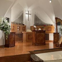 ユリが素敵な祭壇