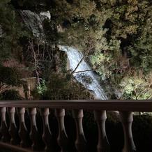 迫力のある滝