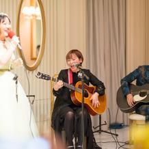 お母さんと歌いました