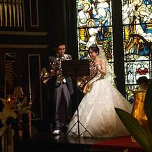 結婚証明に代わる演奏