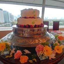 生ケーキはカットしてゲストに配られました