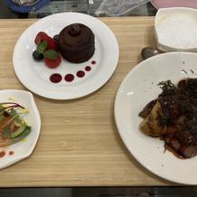 前菜と食後のデザート