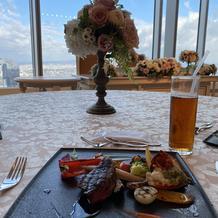お料理と客席からの景色