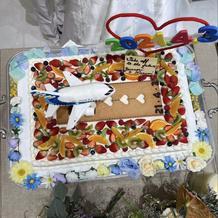 手作り装飾品のケーキ