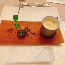 盆栽をイメージしたものと、美味しいスープ