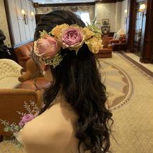 新婦カラードレス時のヘアアレンジ