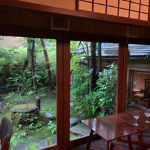 日本庭園が美しい待合室