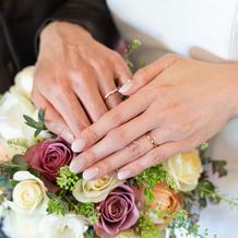 指輪。イエベのためピンクゴールドに。
