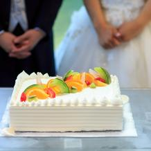 少人数プランに含まれたウェディングケーキ