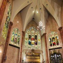 大聖堂は天井も高くて圧巻です!