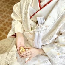 桜の金刺繍の白無垢はとても素敵でした