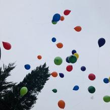 雪の中みんなで風船を飛ばしました!