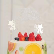 ケーキは新婦のデザイン